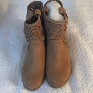 Sole Society Kaye Tan Cow Suede Boots